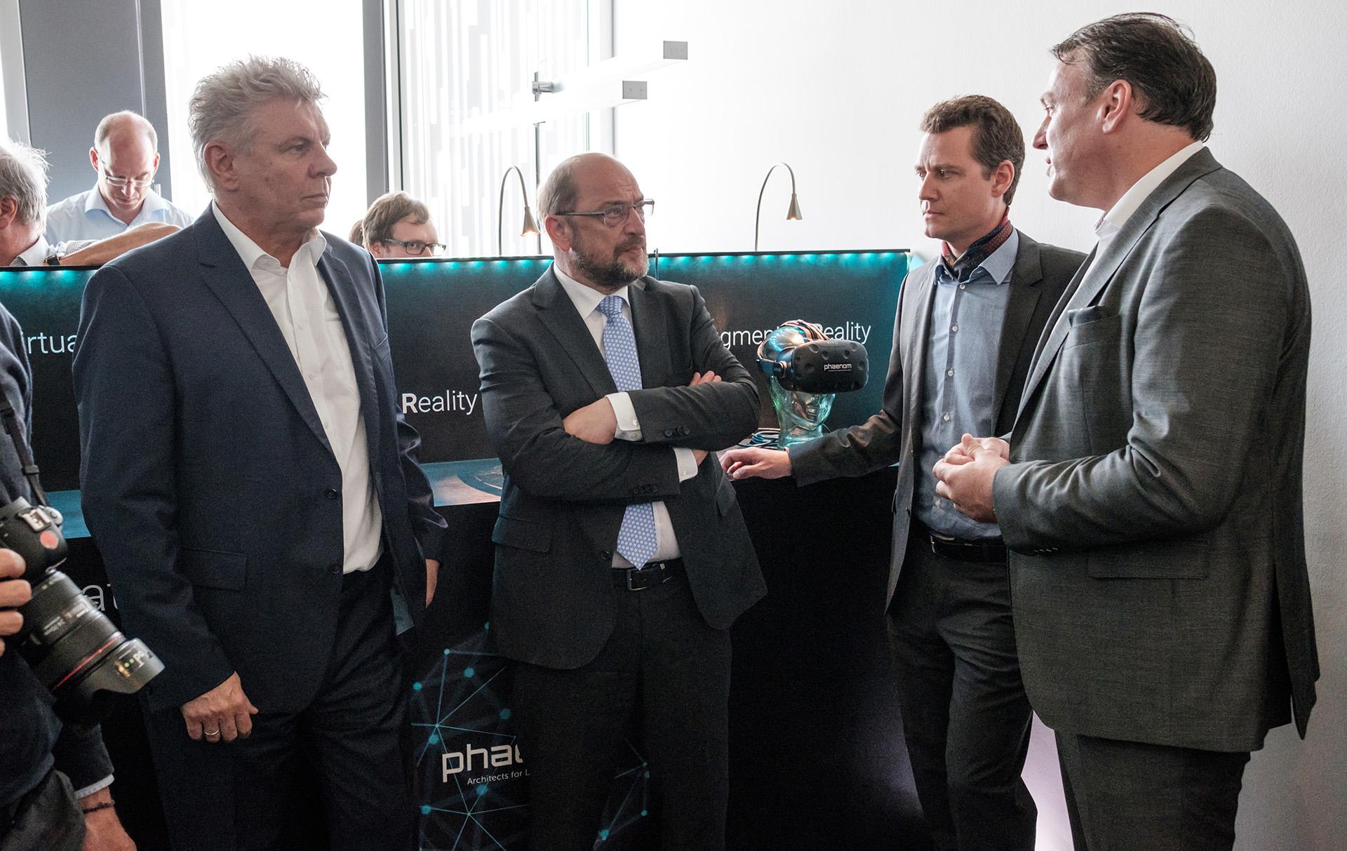 SPD-Kanzlerkandidat Martin Schulz bei Phaenom GmbH