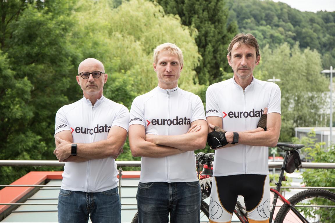 3. Alpenüberquerung: eurodata-Mitarbeiter radeln für guten Zweck
