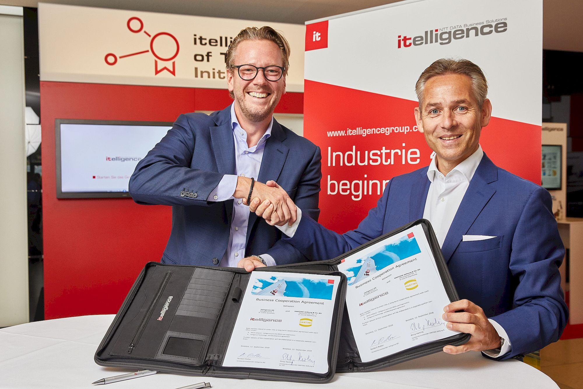itelligence World 2018: itelligence und HARTING vereinbaren Technologie- und Entwicklungskooperation