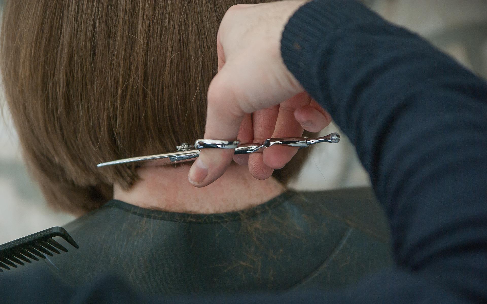 Elektronische Kassensysteme für Friseure: Trotz schärferer Gesetze beruhigt in die Zukunft blicken