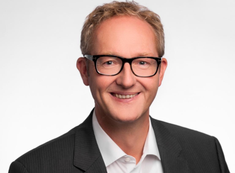 Volker Grümmer steigt als Sales Director Commerce bei Magento ein