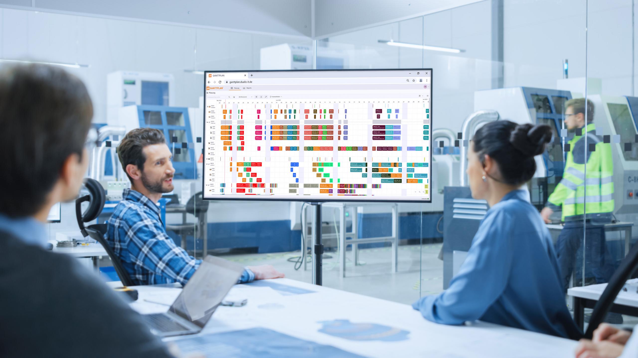 Aus digital wird smart: DUALIS macht moderne Produktionsplanung mit GANTTPLAN Hybrid möglich